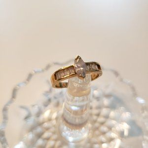 Vintage Avon Gold Ring - Size 8